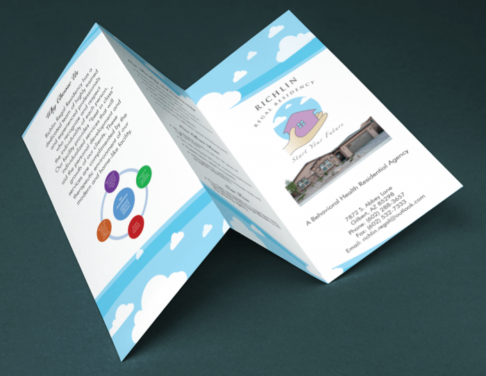 Brochure cấn 2 đường gấp zíc zắc