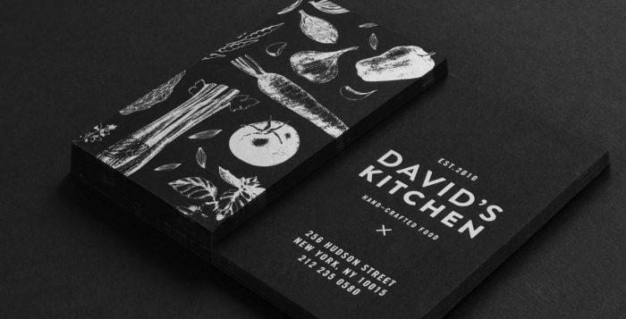 In card visit lấy ngay mực trắng trên giấy mỹ thuật màu đen