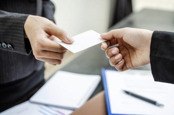 In name card giá rẻ tphcm - văn hóa trao name card