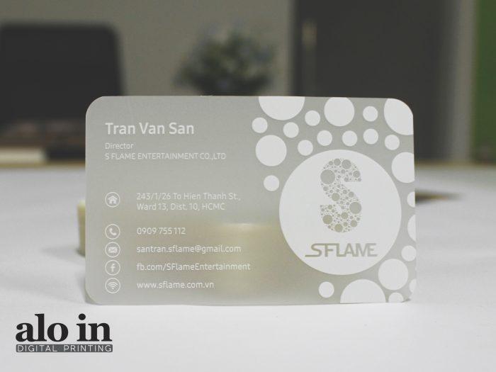 name card in nhanh trên giấy nhựa cao cấp trong mờ