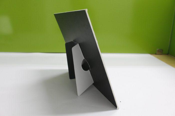 Mặt chân đế khung hình giấy để bàn